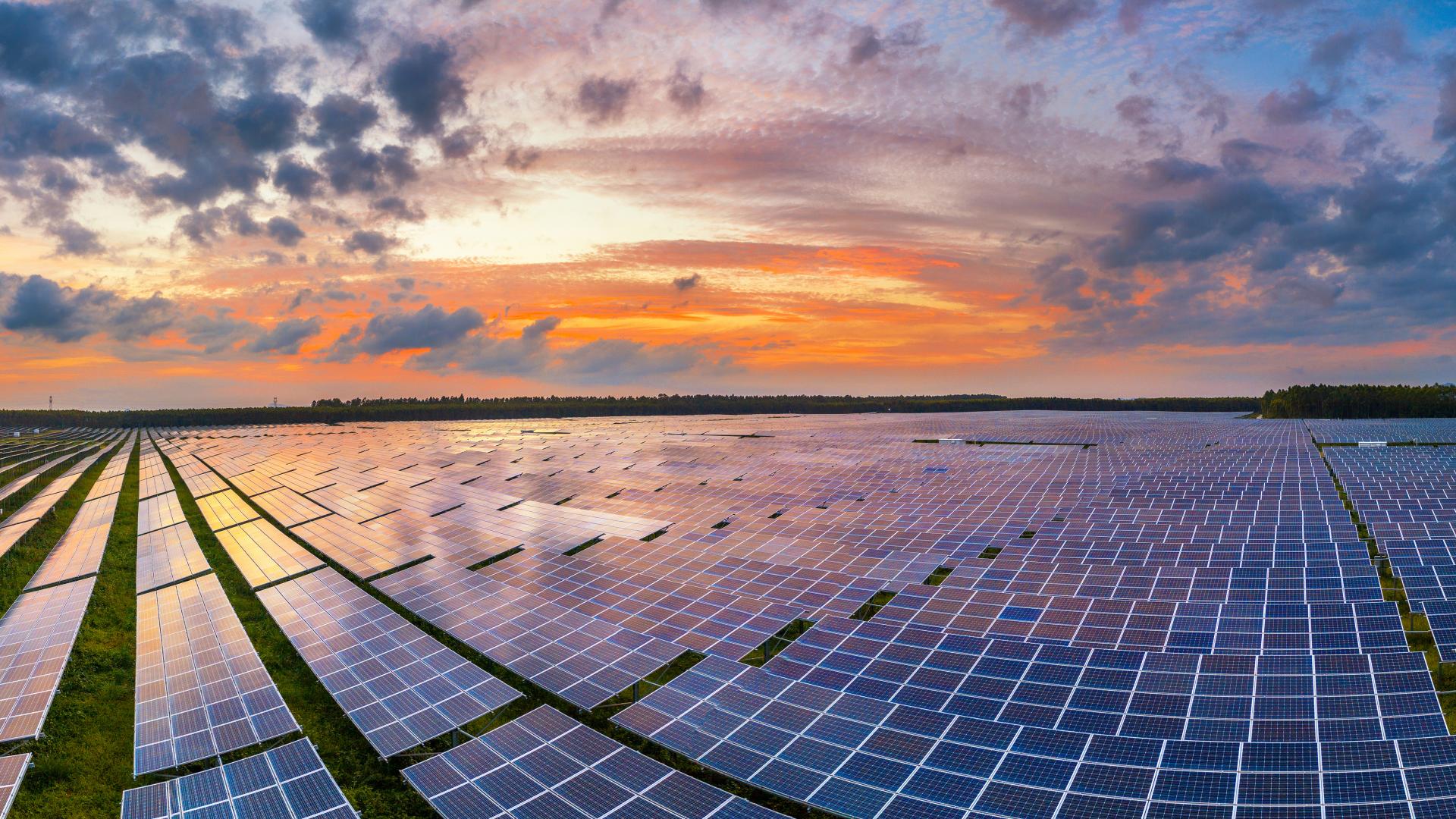 Brasil atinge marca histórica e entra na lista dos 15 maiores países em energia solar